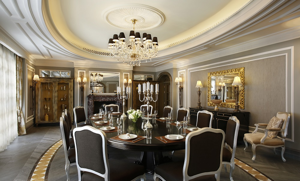 Sir-Winston-Churchill-Suite-Generous-size-dining-room-for-12-persons
