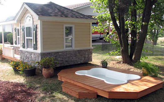 amazing-dog-house-with-pool