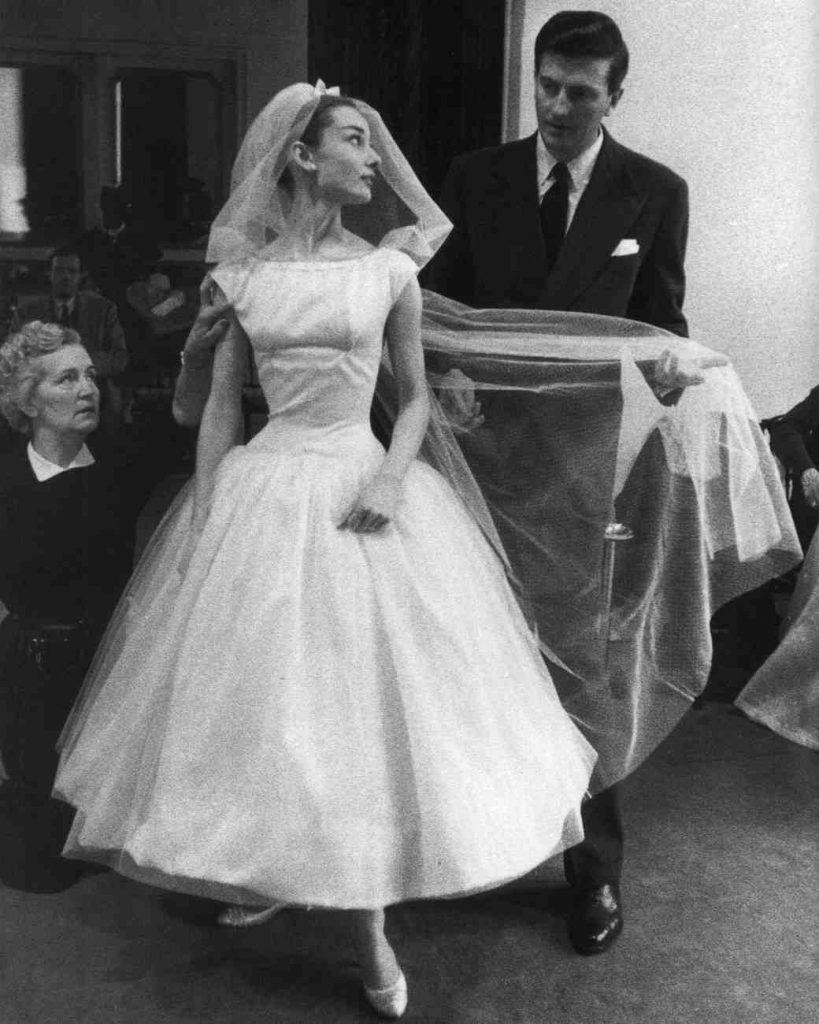 movie-wedding-dresses-funny-face-audrey-hepburn-0316_vert
